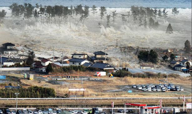 El mar reclama lo que es suyo. Fuente: ElPaís.com, vía Kyodo News